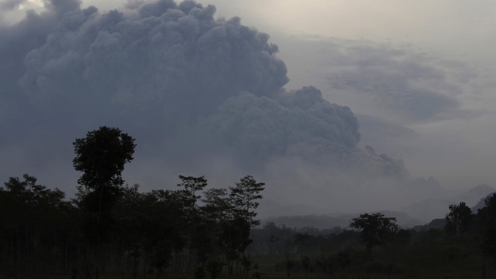 erupcion del volcan kelud