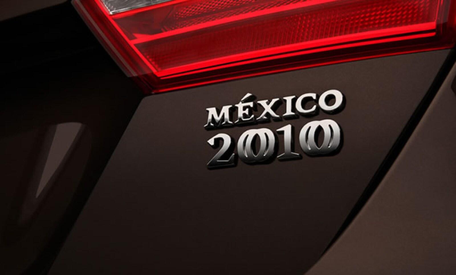 El costo de este modelo, con tan sólo 2010 unidades a la venta, es de 299,900 pesos.