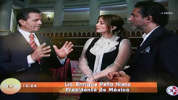 Andrea Legarreta y Raúl Araiza visitaron al presidente de México en Palacio Nacional, donde le realizaron una serie de preguntas con respecto a las reformas que recién se aprobaron.
