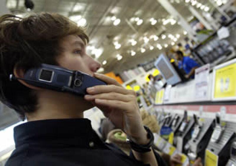 Telefónica, Iusacell, TV Azteca, MVS y Nextel compiten en el proceso de licitación de frecuencias inalámbricas. (Foto: AP)