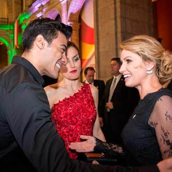 Carlos Rivera cantó para los invitados.