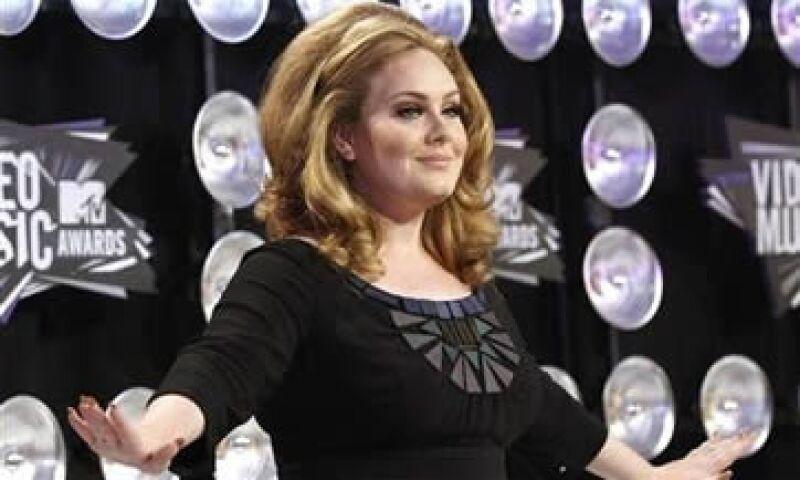 Adele superó a Katy Perry, Bruno Mars, LMFAO y CeeLo Green en la categoría de las canciones más vendidas. (Foto: Reuters)