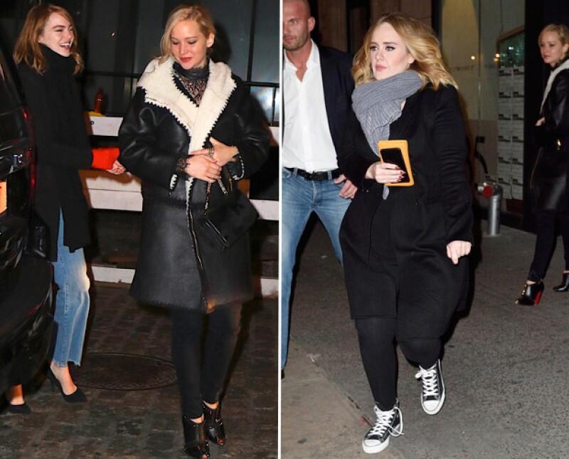 La cantante y las actrices se reunieron anoche en Manhattan para cenar, sorprendiendo a sus fans, y al parecer fue una gran noche de diversión y confesiones.