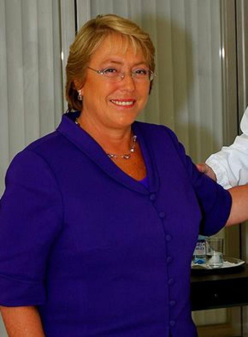 La presidenta chilena podría estar presente en la edición 50 del festival musical.