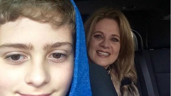 A sus 11 años, Nicolás, hijo de la actriz, ya hace uso de las redes sociales y en ellas muestra su talento artístico como bailarín.
