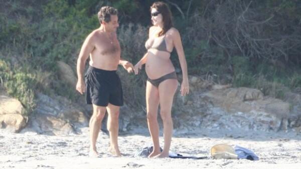 La Primera Dama de Francia dijo en una entrevista que no sabe el sexo del bebé que espera de su esposo Nicolas Sarkozy.