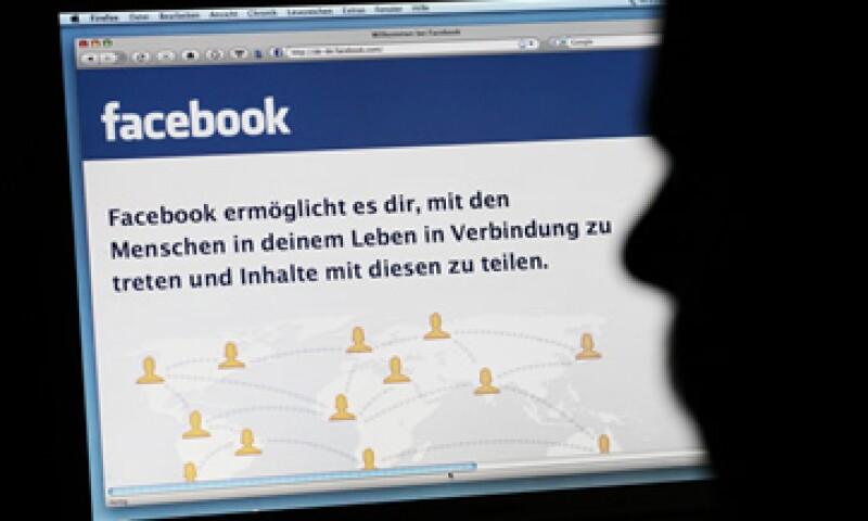 En países como EU, distintos juicios han cambiado su rumbo debido al uso de Internet por parte de los jurados. (Foto: AP)