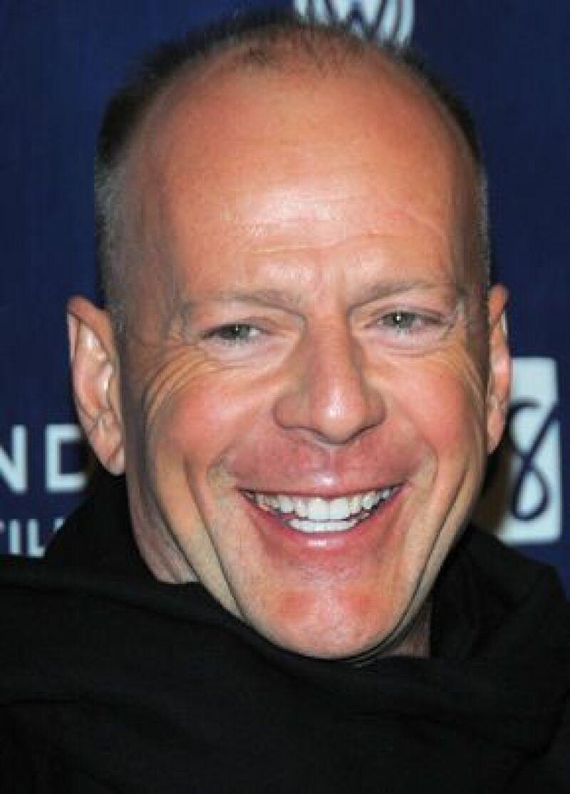 El actor dice que los productores que lo demandan fallaron en demostrar que tenían fondos.
