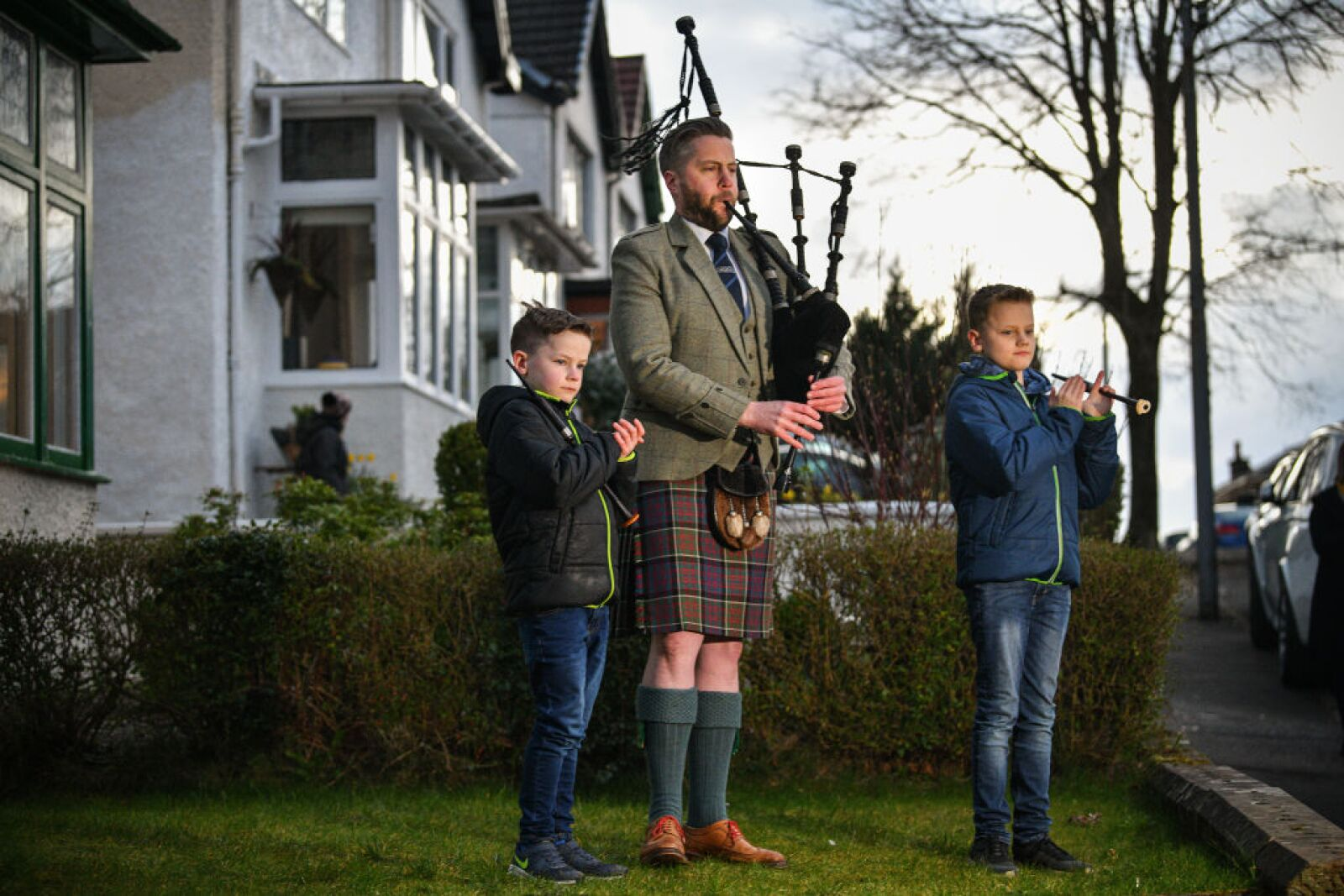 """Scotland's Bagpipers Join """"Pipe Up For Key Workers"""" Tribute"""