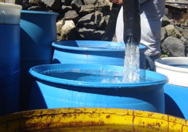 Debido a los ahorros que se conseguirán con los nuevos equipos, se pretende que llevar agua potable a las zonas que actualmente no la reciben. (Foto: Notimex)