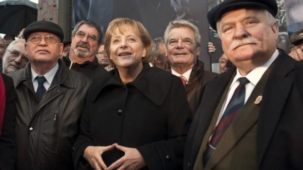 La frontera fortificada de Alemania Oriental cayó la noche del 9 de noviembre de 1989 después de 28 años y marcó un momento fundamental en el derrumbe del comunismo en Europa.