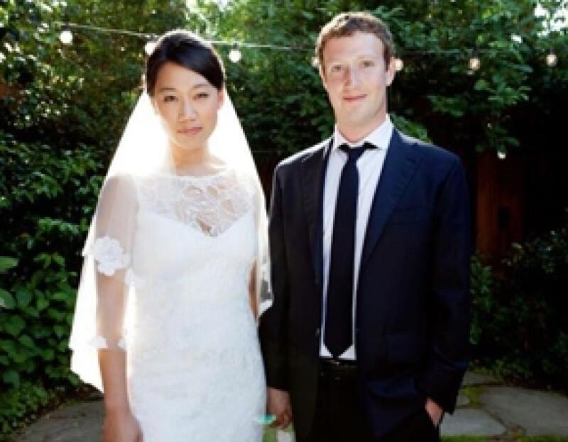 El sábado pasado, los seguidores del creador de Facebook se sorprendieron con la noticia de que él y su ahora esposa, Priscilla Chan contrajeron nupcias en California.