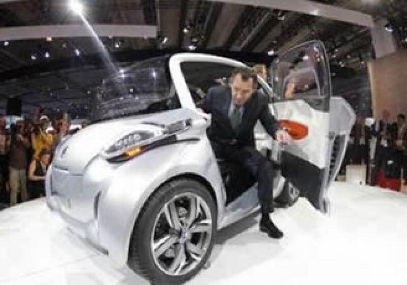 Las empresas automotrices batallan por no perder mayor mercado en el mundo. (Foto: Reuters)