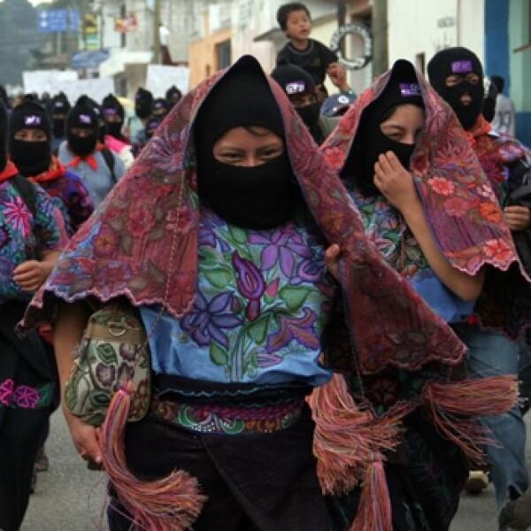 mujeres marchan en san cristobal