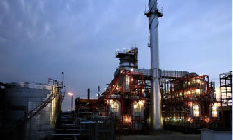 Pemex se encuentra en el proceso de que se definan las áreas que operará, luego de la reforma energética. (Foto: Reuters)