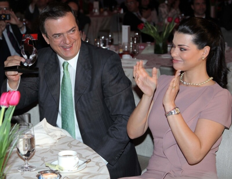 Marcelo, galardonado, junto a su esposa Rosalinda.