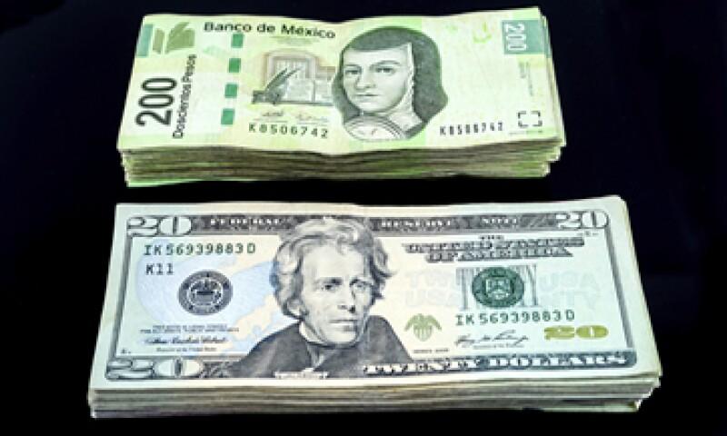 En ventanillas bancarias, el dólar se ubica en 16.30 pesos a la venta. (Foto: iStock by Getty Images.)