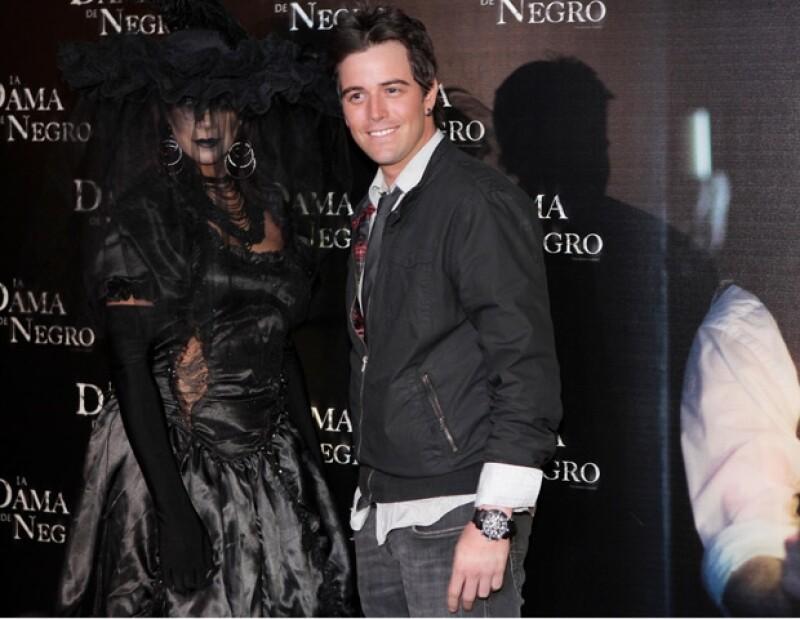 El cantante mexicano aseguró que es gran fanático de las películas de suspenso como La Dama de Negro.