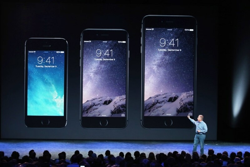 La tecnológica lanzó este martes un iPhone 6 y una versión 6 Plus de su popular teléfono inteligente.