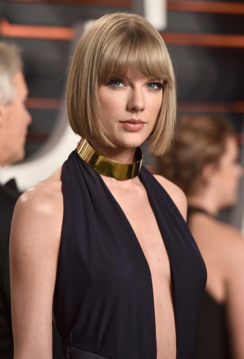 Desde algunas semanas se rumora que la cantante pudo haber aumentado el tamaño de sus curvas, ¿qué opinas?