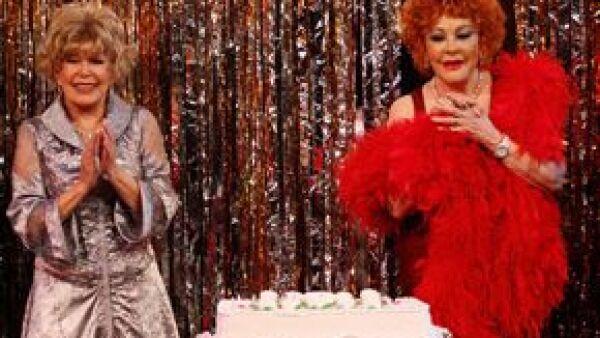 El viernes, la actriz celebró por adelantado su cumpleaños en compañía de su público y amigos durante la función de la puesta en escena Adorables enemigas, donde por supuesto, no quiso revelar su edad