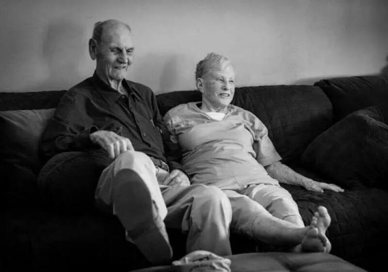 Tras casi 62 años de matrimonio, Don y Maxine Simpson murieron con cuatro horas de diferencia en la misma habitación y tomados de la mano.