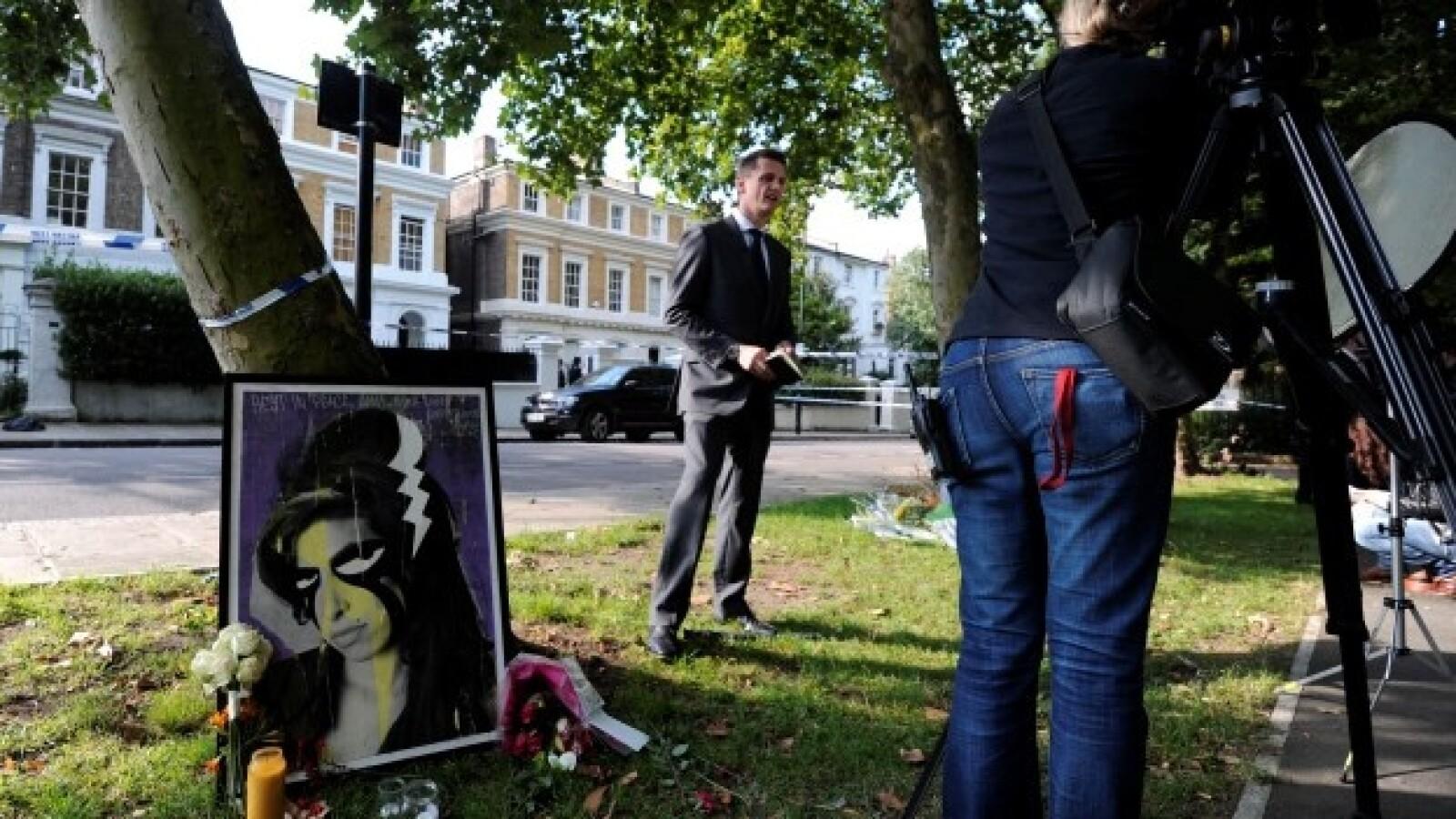 Altar-Winehouse-AFP