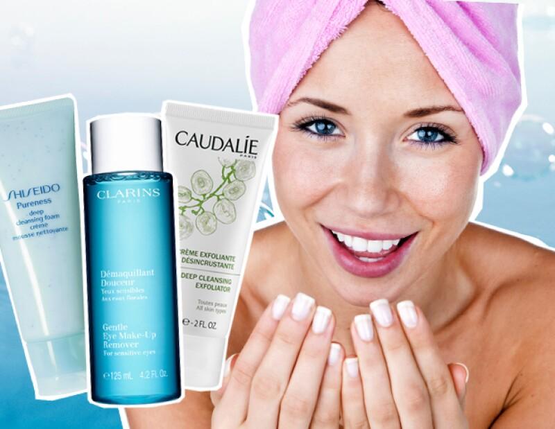 Olvídate de las toallitas desmaquillantes o dormir con maquillaje puesto. Es momento de que aprendas cómo debes lavar tu cara para tenerla brillante, libre de acné y arrugas.