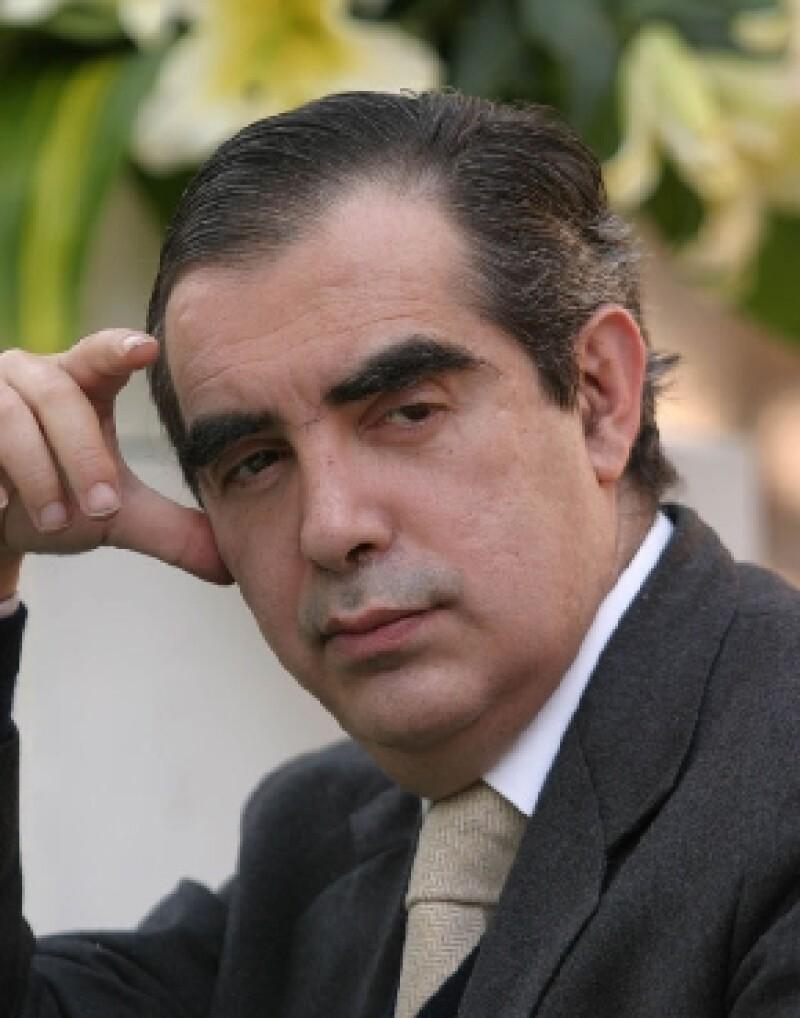 El Consejo Nacional para la Cultura y las Artes (Conaculta) confirmó la muerte este domingo del historiador, víctima de una hemorragia interna.