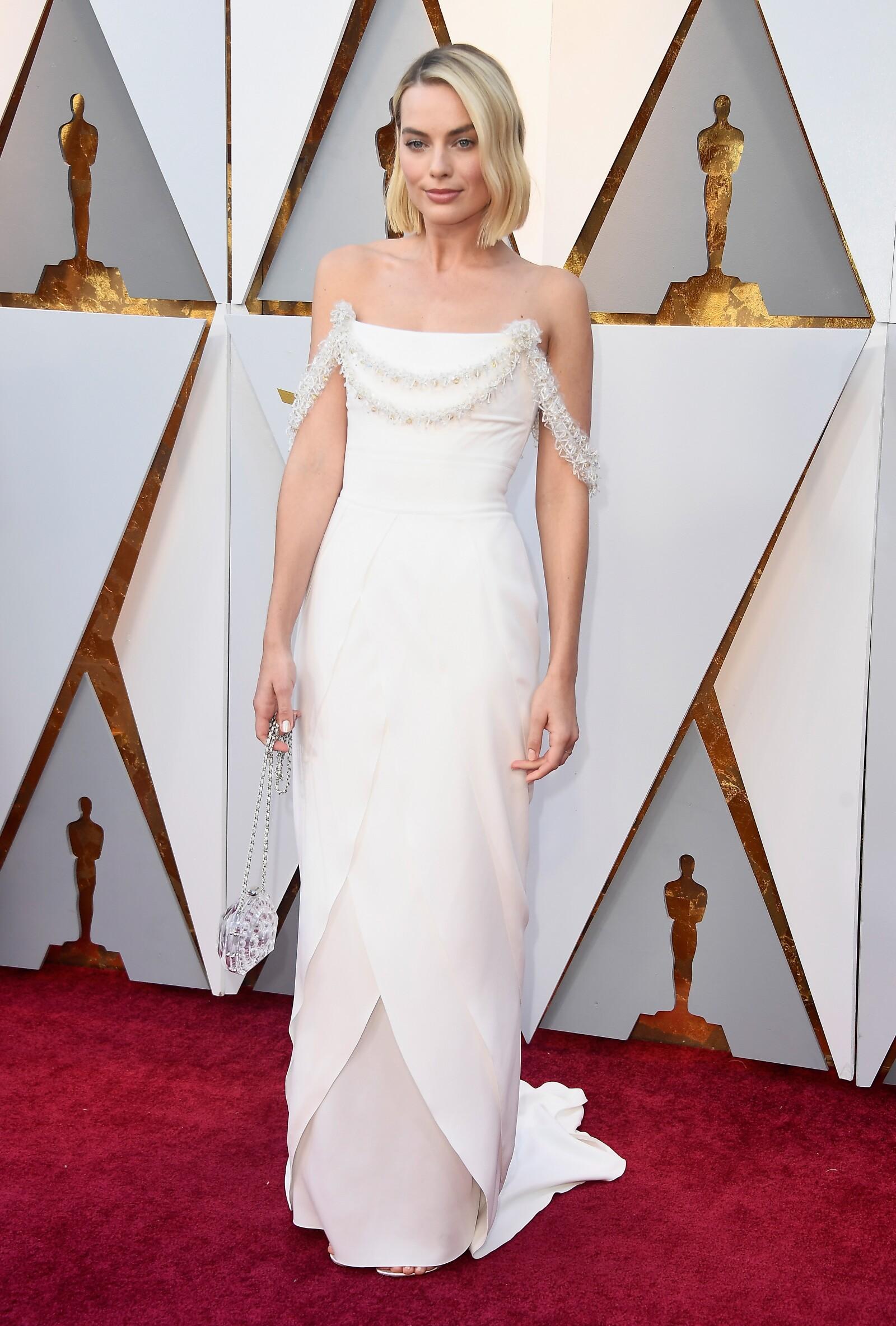 """Margot Robbie eligió un Chanel para asistir a los Oscares por su nominación gracias a la película """"I, Tonya"""""""