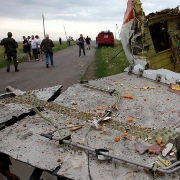 En el avión, un Boeing 777, viajaban al menos 295 personas, 15 de ellas eran la tripulación
