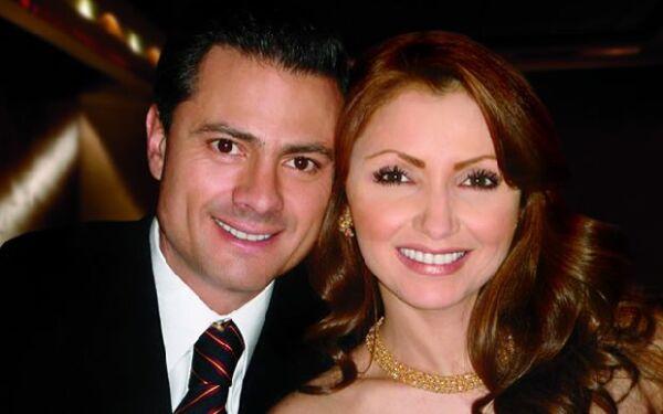 El gobernador del Estado de México y la actriz Angélica Rivera sostienen un romance desde junio de este año, desde entonces es la pareja más buscada por los medios en nuestro país.