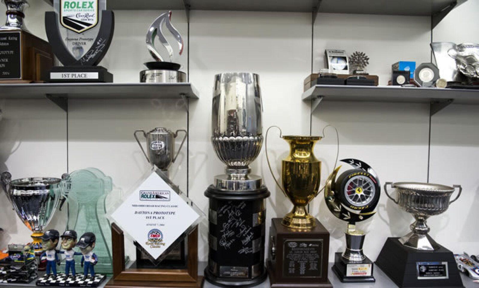 Los trofeos dejan clara la pasión de Slim Domit por el automovilismo, quien junto con Soberón explica a Expansión cómo la Fórmula 1 se ha convertido en la plataforma de mercadotecnia deportiva más grande del mundo.