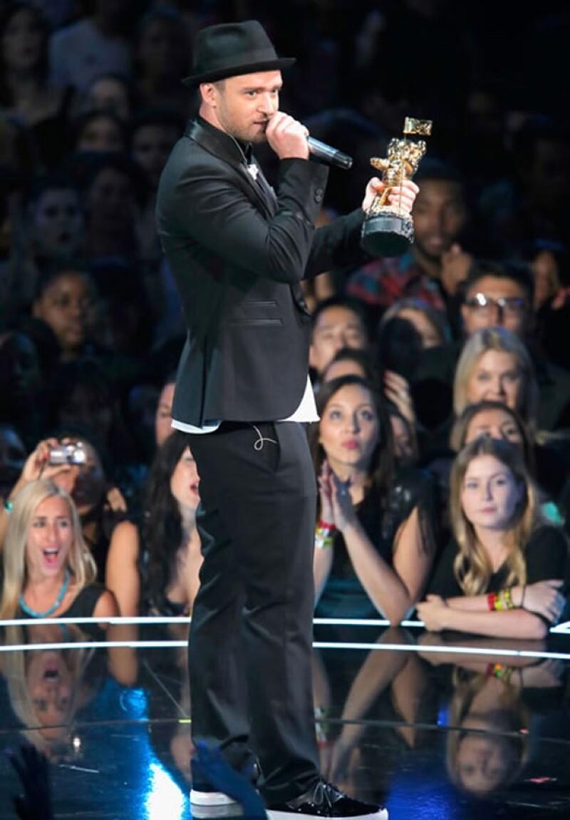 Timberlake se apoderó de la ceremonia robando el foco de una rehabilitada Lady Gaga, una atrevida Miley Cyrus y una vengativa Taylor Swift con un popurrí de éxitos y la rumorada reunión con &#39N Sync.