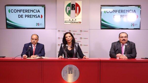 Manuel Añorve Baños (izquierda), Carolina Monroy (centro) y Jorge Carlos Ramírez Marín (derecha) exigieron al gobernador Rafael Moreno Valle sacar las manos de la elección.
