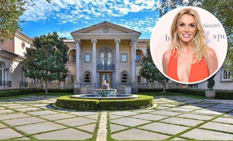 La princesa del pop acaba de comprar una nueva casa para ella y sus hijos, aprovechando que su show en Las Vegas se ha extendido por dos años más.