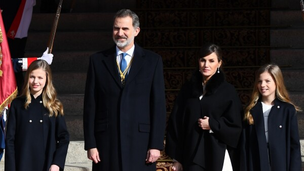 Princesa Leonor, rey Felipe VI, reina Leitzia y la infanta Sofía