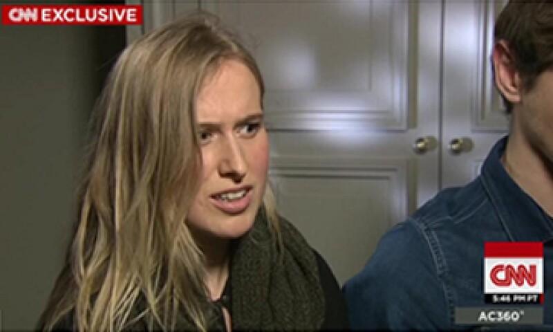 La joven de 22 años pensó en su familia y amigos durante la toma del teatro Bataclan. (Foto: CNN )