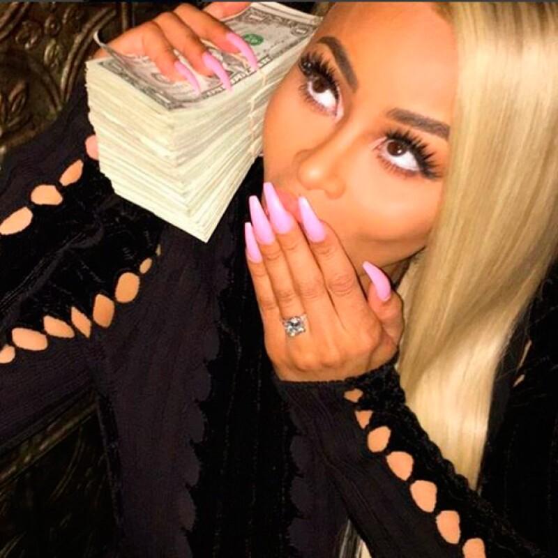 Por su parte, Rob Kardashian compartió esta imagen de su novia.
