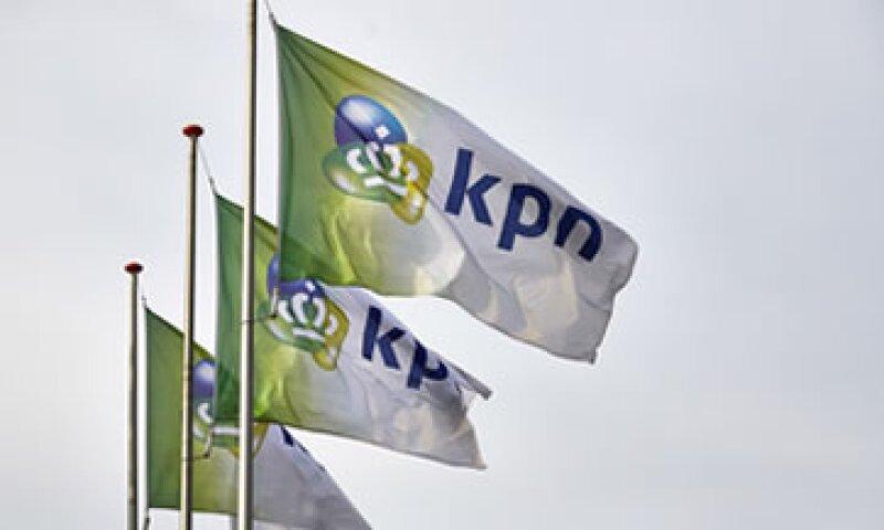 América Móvil decidió no seguir adelante con su oferta ante el bloqueo que impuso una fundación al interior de KPN. (Foto: Reuters)