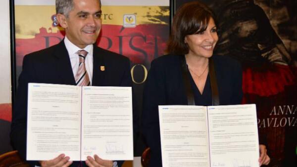 Par�s y DF firman convenio sobre urbanismo, en Par�s