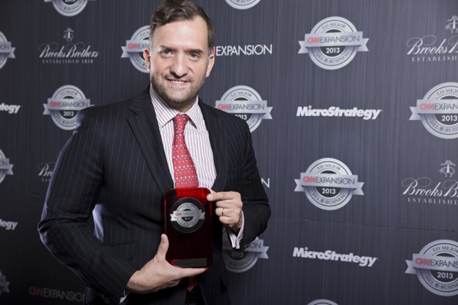 Manuel González Arce, director de Comunicación de Nokia, recibió el premio al Mejor Servicio al Consumidor. En esta categoría se califica la relación de las empresas de consumo con sus clientes, el uso de las nuevas tecnologías en la red.