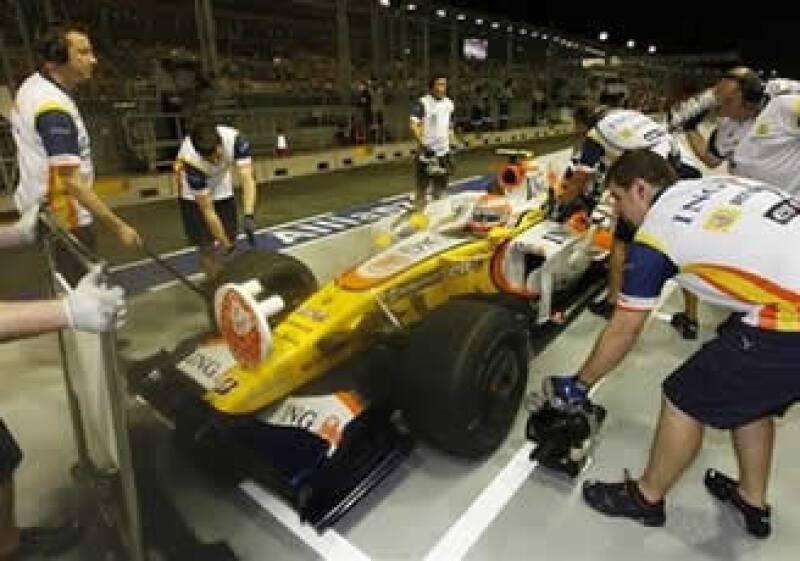Renault comparecerá el lunes en París acusado de ordenar al brasileño Nelson Piquet chocar intencionalmente en Singapur el año pasado. (Foto: AP)