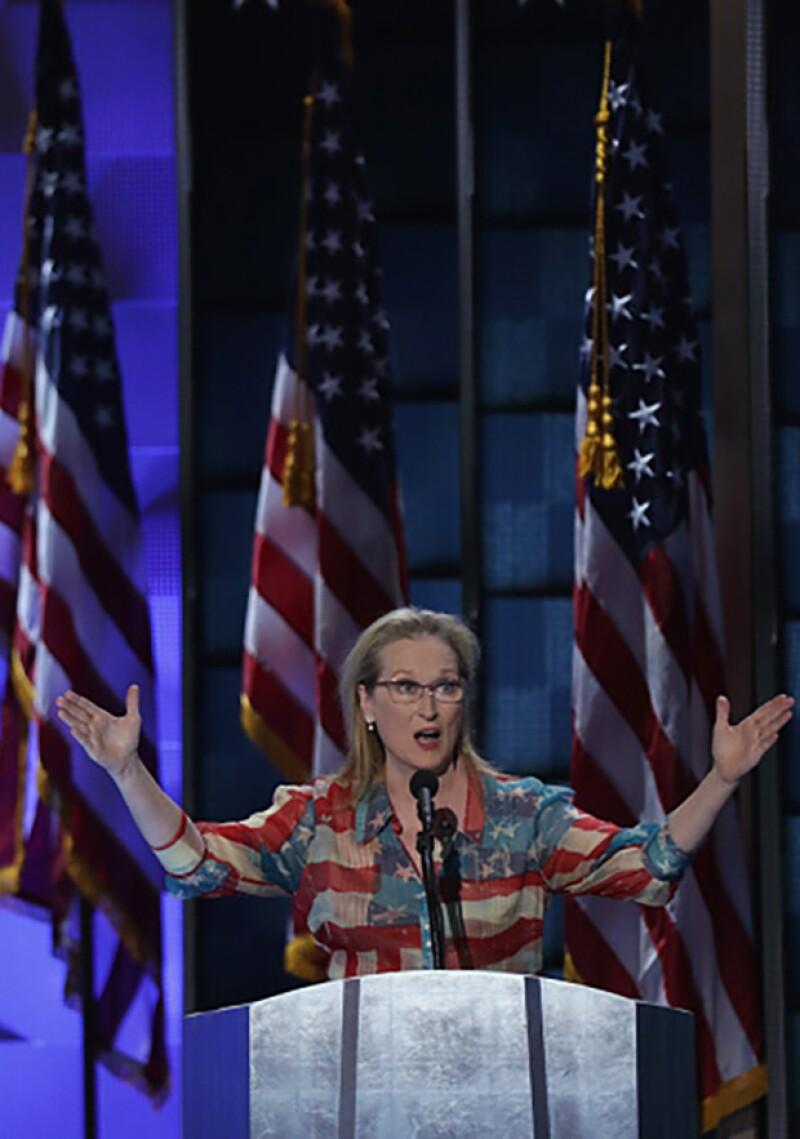 Junto con otras celebs como Eva Longoria, America Ferreira, y Lena Dunham, Meryl se mostró apoyadora de Clinton.