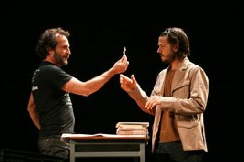 La protagonista de 'Juno' estará en La Perla Tapatía para ver la obra protagonizada por Diego Luna, 'El Bueno Canario', aún no se sabe si será el 10 u 11 de febrero.