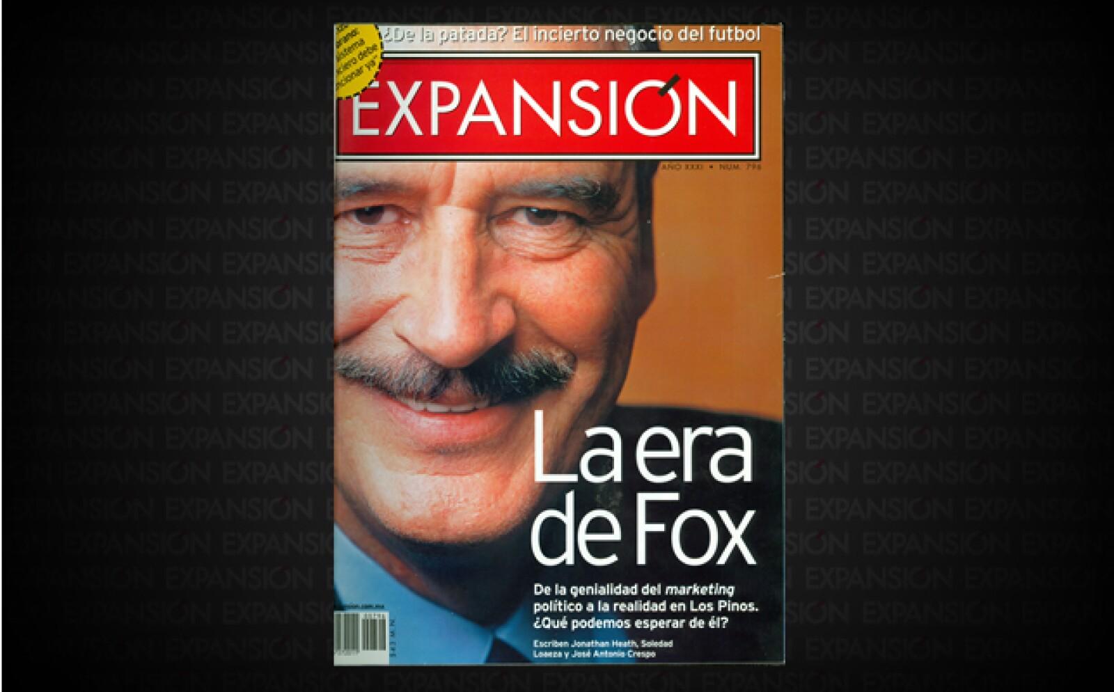 """El 2 de julio de ese año Vicente Fox terminó con una era de gobiernos priistas. Se presentó y convenció como 'el agente del cambio' y tiene """"el compromiso de ejecutar soluciones efectivas"""", publicaba Expansión."""