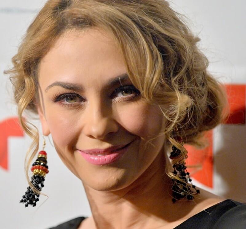 La actriz exige la manutención para Miguel y Daniel, además confesó a People en Español que como mamá, le duele esta situación.