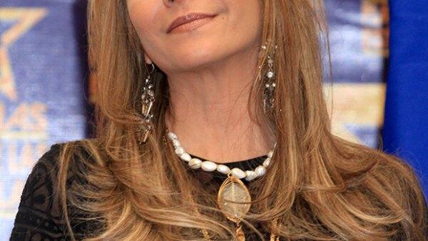Fue en el aeropuerto de la Ciudad de México, y tras regresar de unas vacaciones familiares, que la actriz negó estar en proceso de divorcio de su esposo, Gustavo Díaz Ordaz.