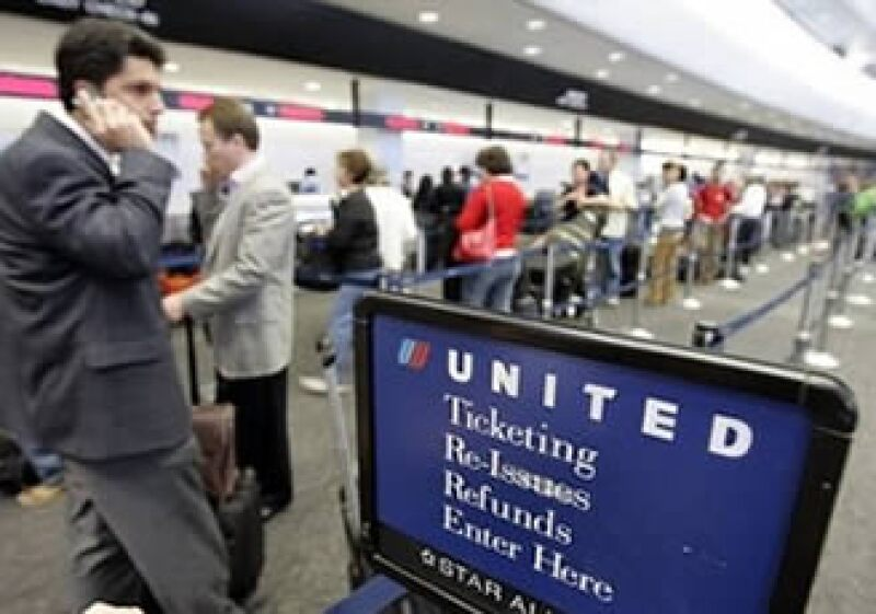 United Airlines es una de las empresas que optaron por subir sus tarifas en las últimas semanas. (Foto: Reuters)