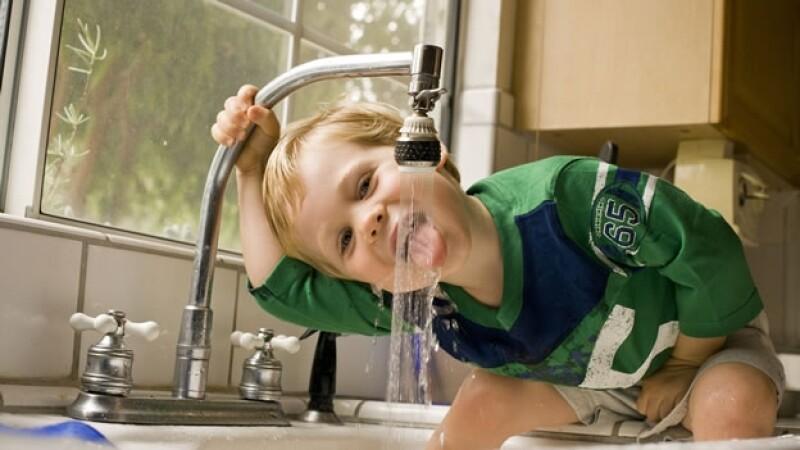 grifo, llave, cocina, niño, nino, agua,